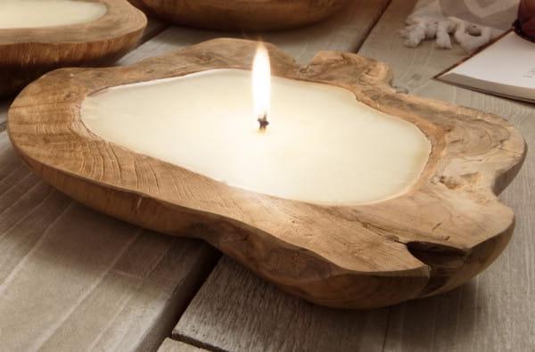 Kerze in Teakholzschale